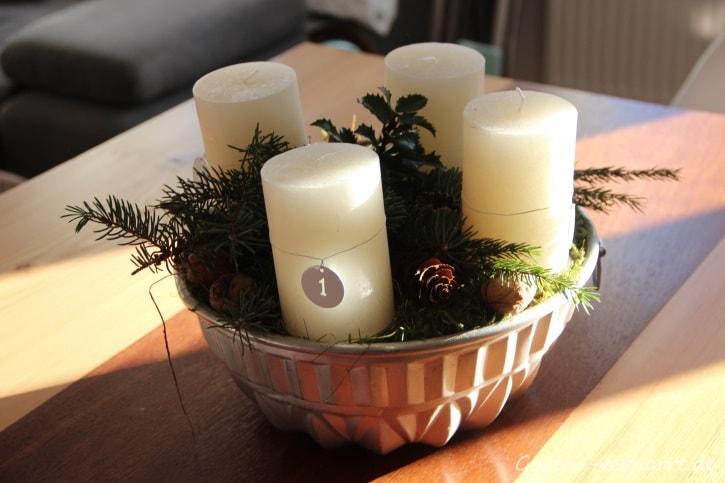 Adventsgesteck aus Naturmaterialien basteln