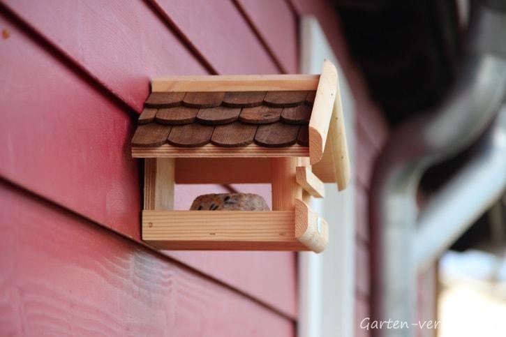 Vogelhaus für die Winterfütterung