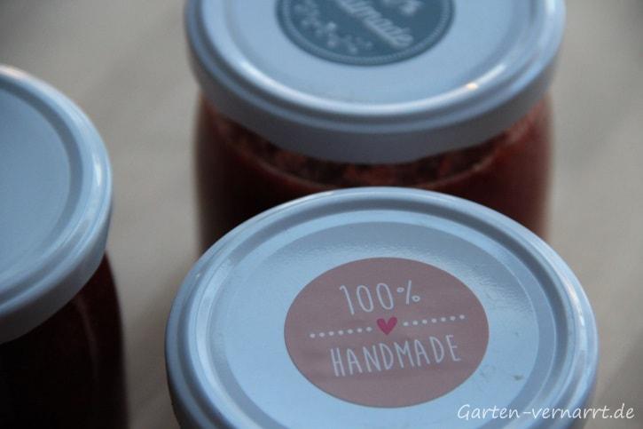 selbst gemachte Rhabarber-Erdbeer-Marmelade